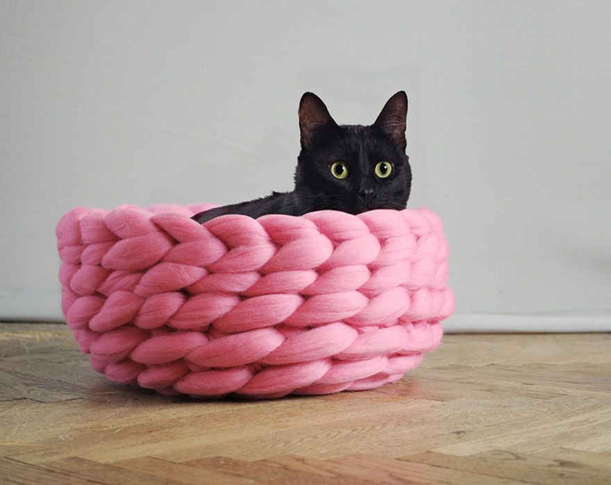 giant-chunky-knit-pet-beds-anna-mo-15
