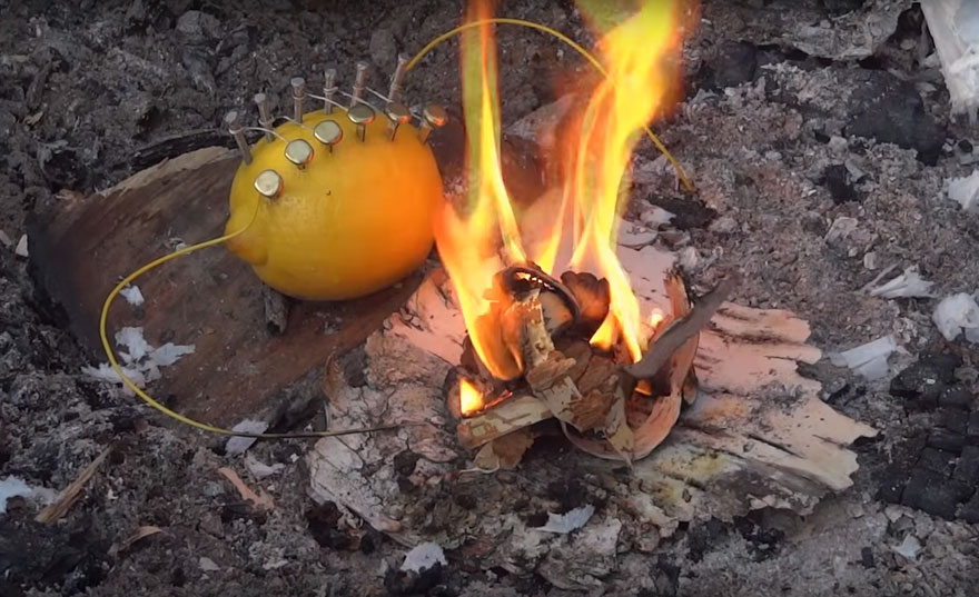 how-to-make-fire-with-lemon-north-survival-1