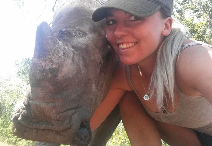 orphan-baby-rhino-sleeps-with-human-kabelo-laure-ellison-orphanage-13